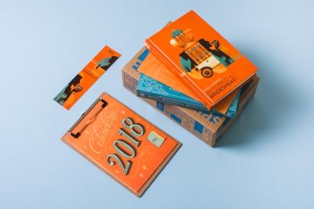 Kit de janeiro com livro, marcador, revista e calendário literário como brinde