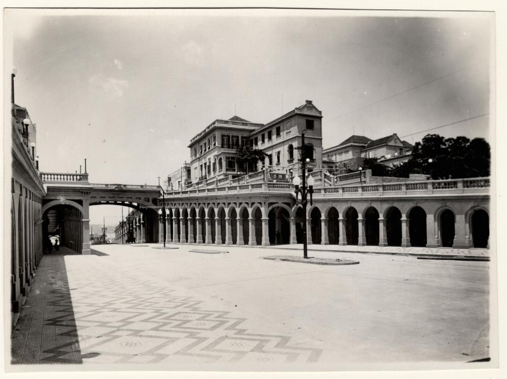 Viaduto da Borges recém inaugurado, na década de 1930 (Acervo do Museu de Porto Alegre Joaquim Felizardo/Autor desconhecido)