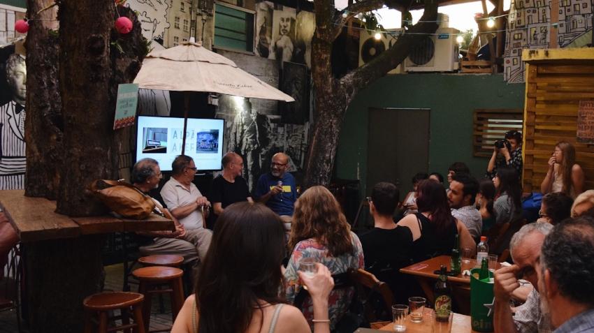 Evento de lançamento do  Rua da Margem  em dezembro de 2017, no pátio do Espaço Cultural 512,