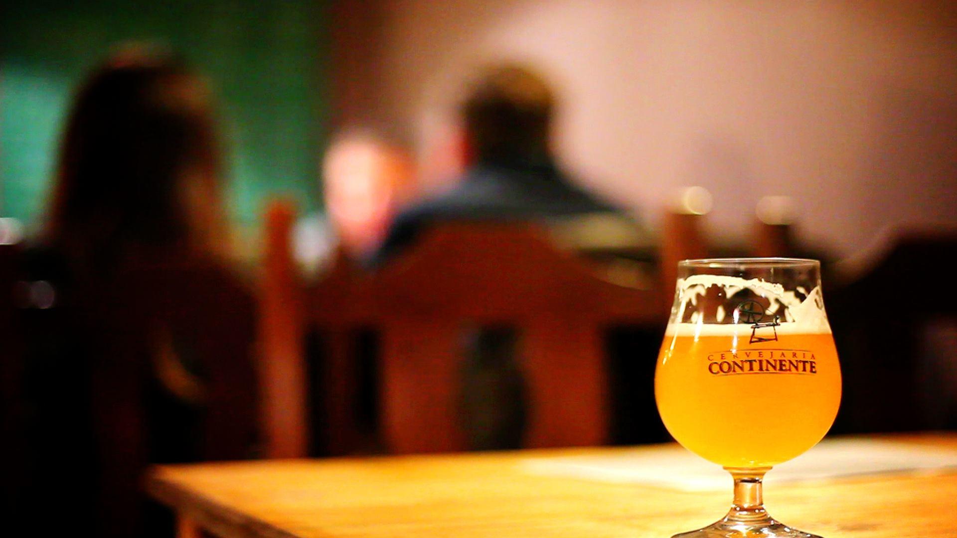 A cerveja da CB: a marca Continente produz 6 mil litros por mês na Rua Olavo Bilac (Foto/Divulgação)