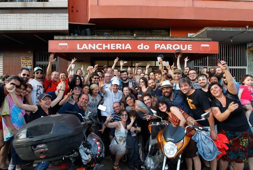 Em 2015, se despediu da Lancheria do Parque com uma festa que paralisou a Avenida Osvaldo Aranha (Foto/Eduardo Quadros)