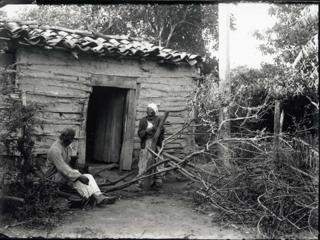 Casal de negros da capital gaúcha em 1900 (Coleção Lunara/Acervo do Museu de Porto Alegre Joaquim Felizardo/Fototeca Sioma Breitman)