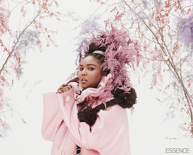 🌸 Lizzo in full bloom 🌸 . . Lately I've been sitting back and letting the universe do her thing. Because magic happens when you are patient enough to let what's meant for you, find you. . . #growth