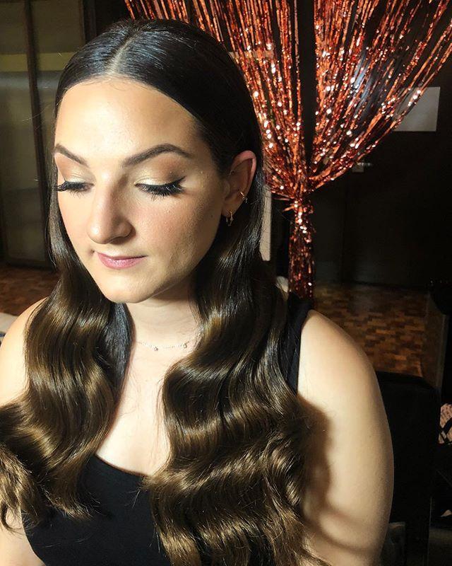 Soft Vintage Glam 🥀  HAMU by me on @izzy_babyy #hairstylist #vintagehair #wingedliner #makeupartist #hollywood