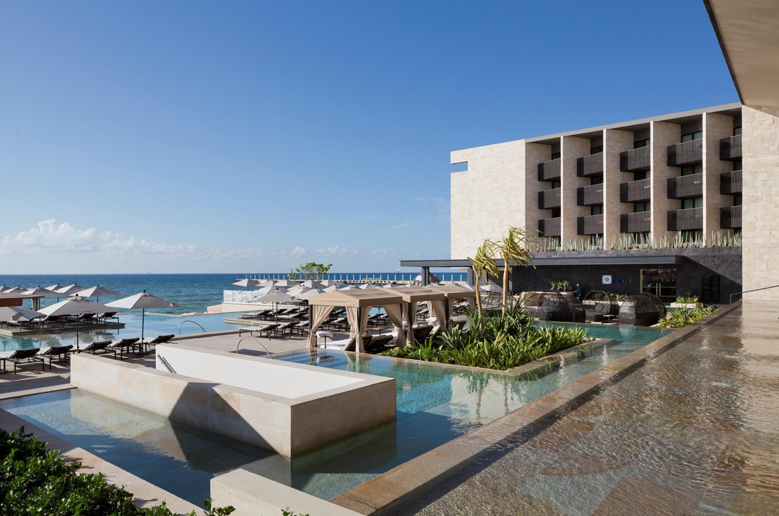 Grand-Hyatt-Playa-del-Carmen-Hotel-by-Sordo-Madaleno-Arquitectos-01.jpg