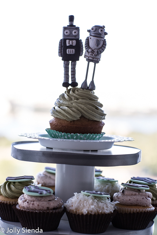 Wedding cupcakes with bride and groom robots