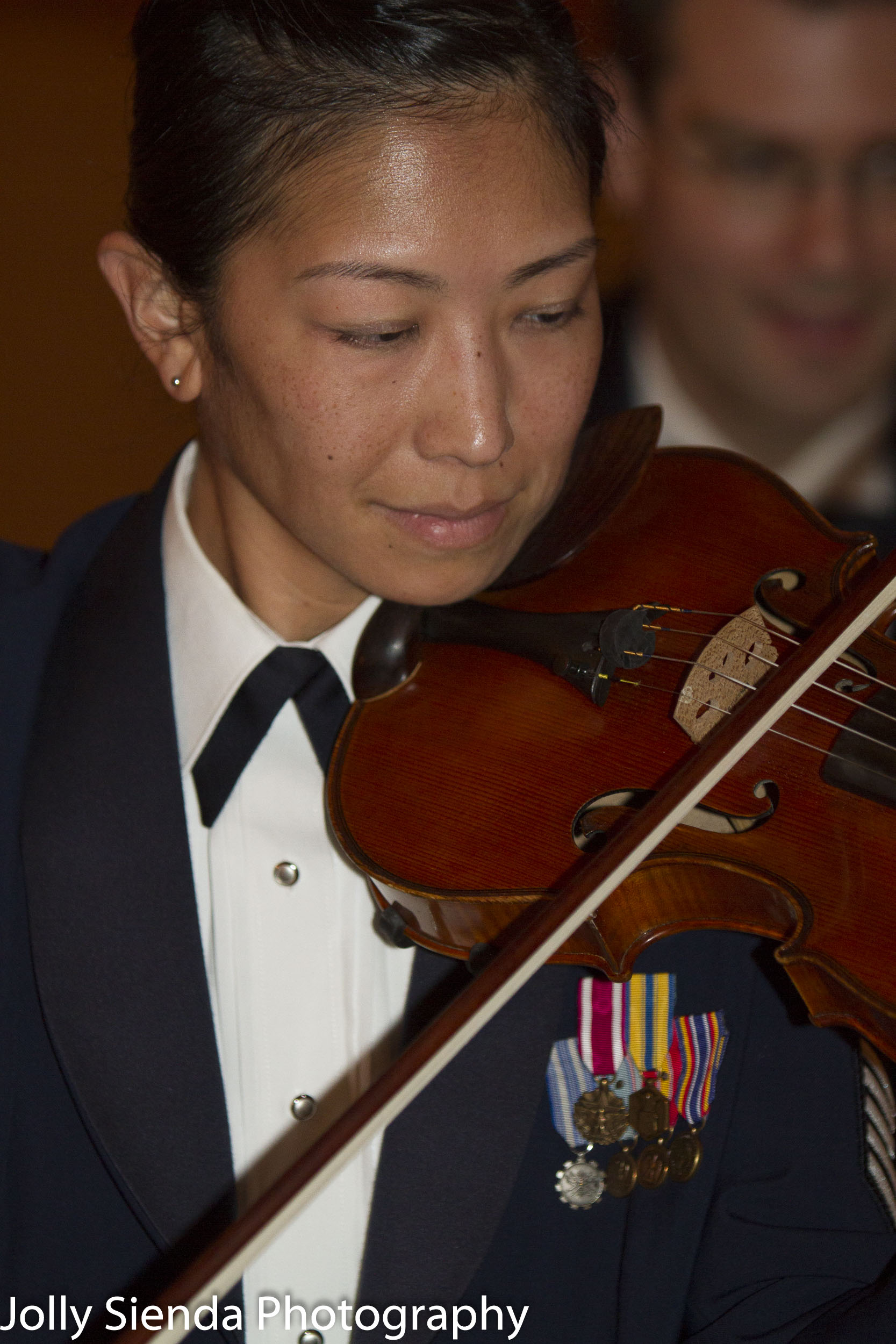 Airforce woman plays the violin