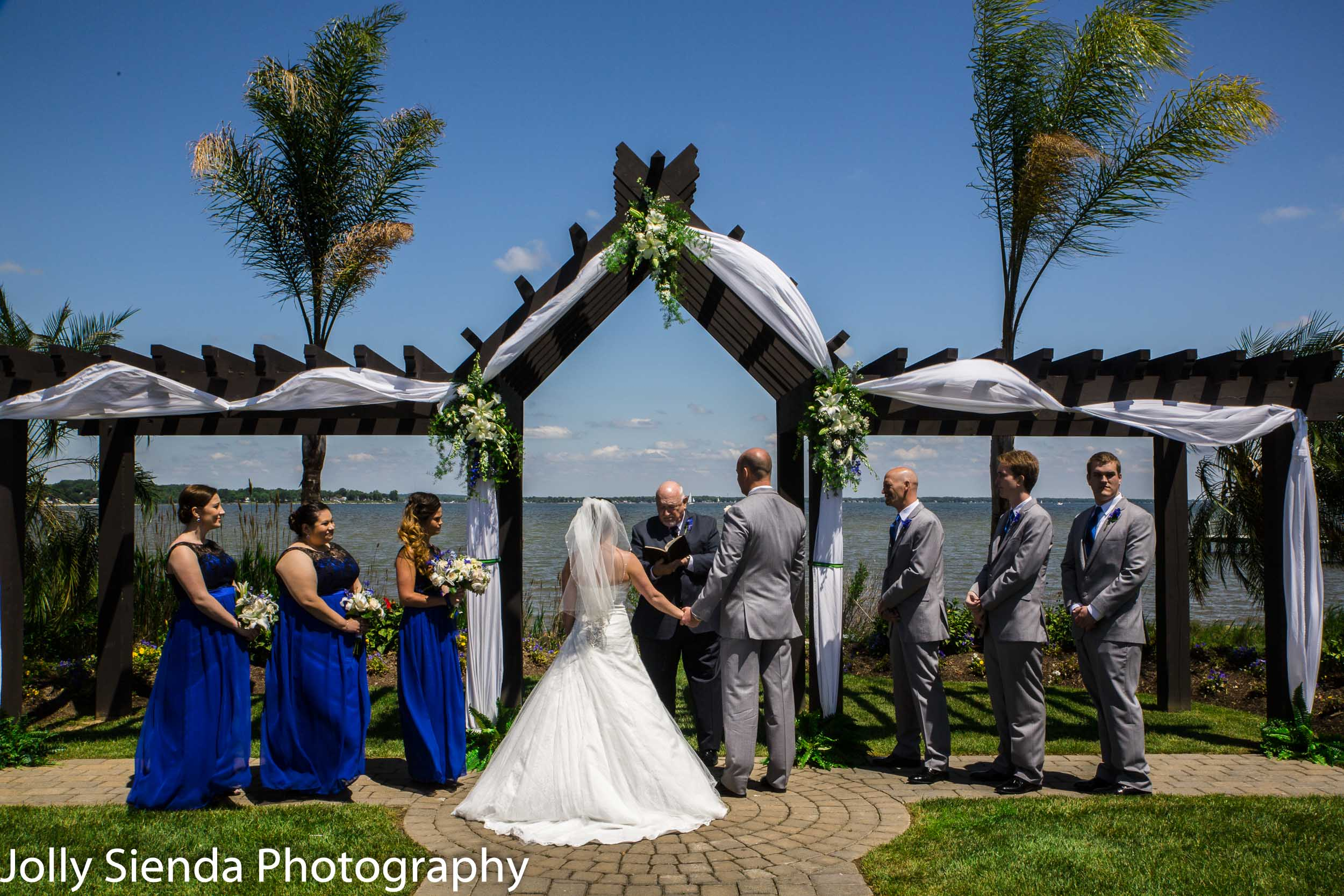 Poulsbo, Washington tropical style wedding.