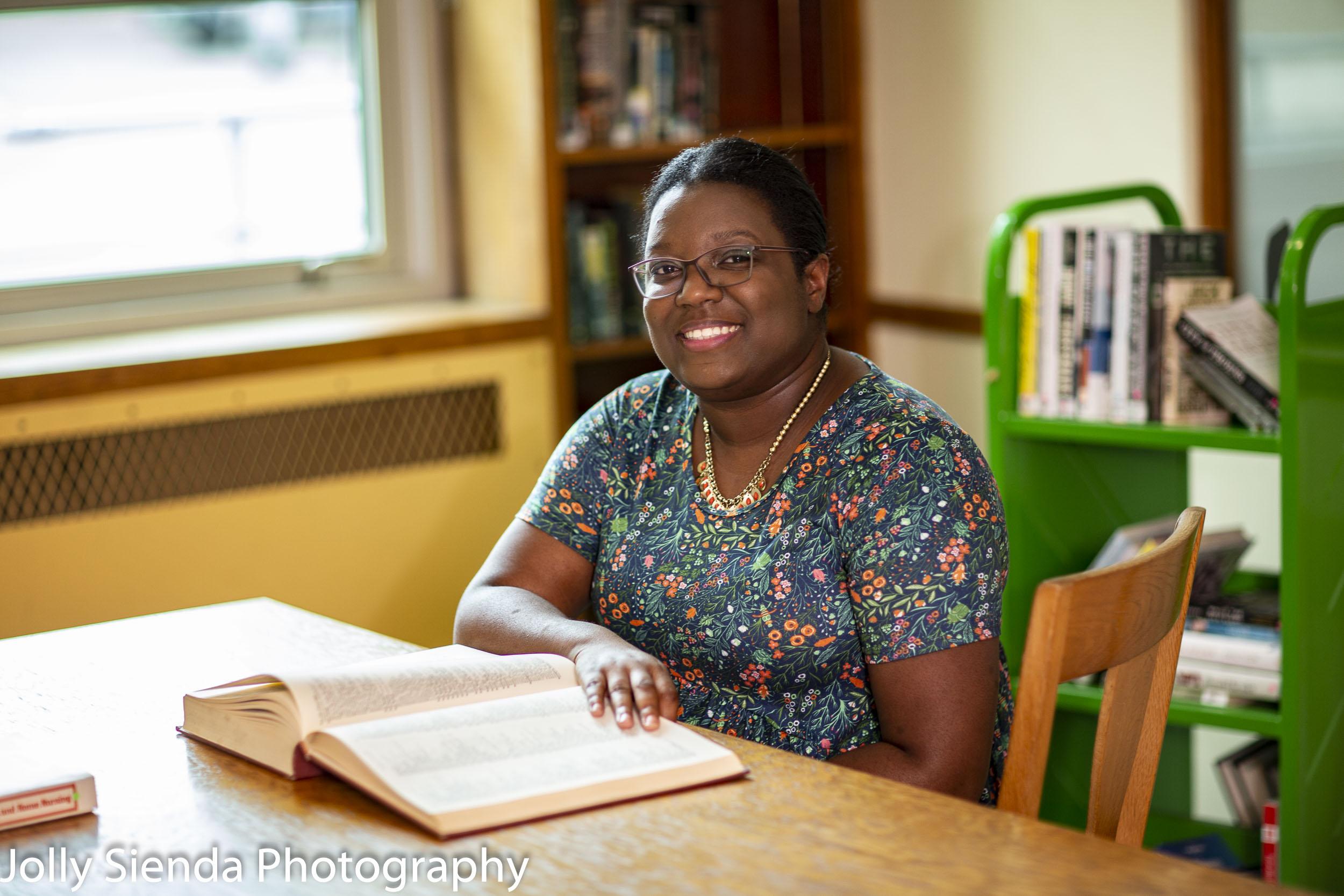 Kaneesha Roarke, environmental portrait photography session