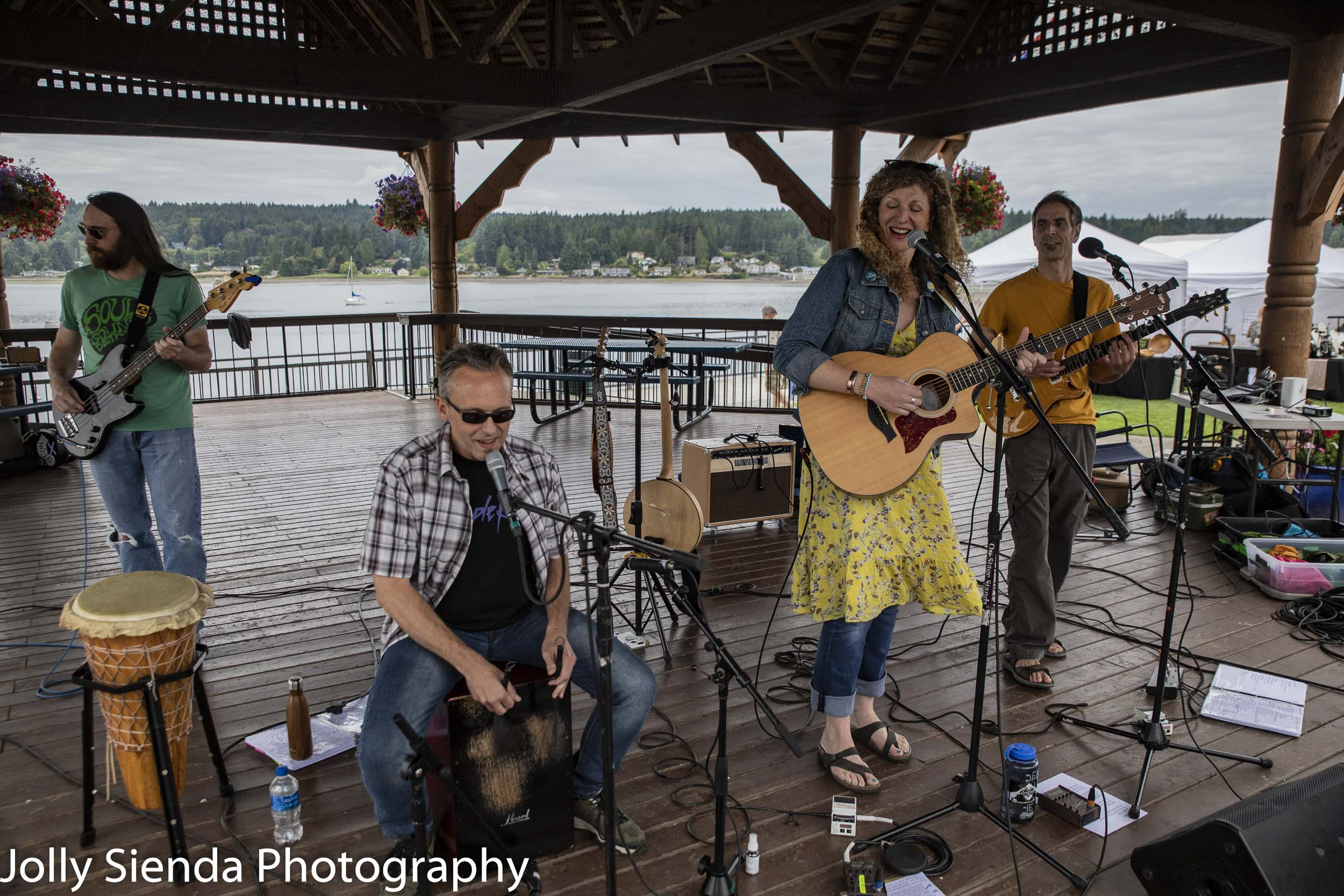 SeaStar performs at the gazebo on at the Poulsbo Waterfront Marina Park for the Poulsbo Art Festival, Jolly Sienda Photography