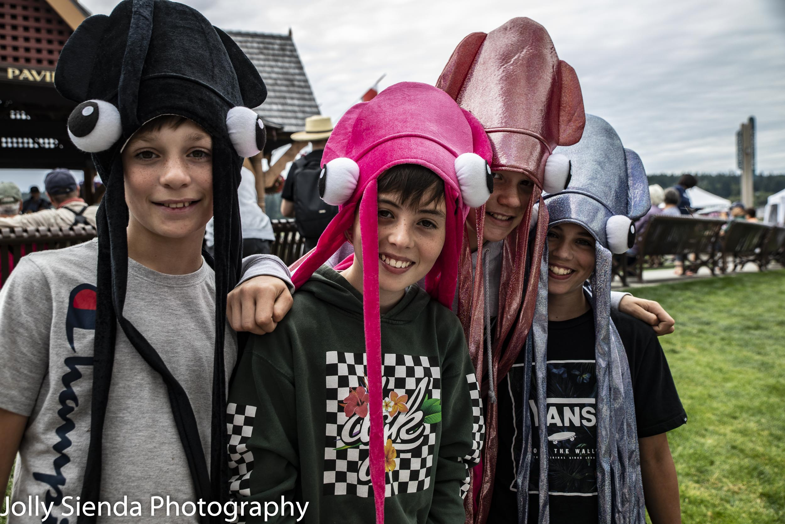 Kids with squid hats posing for a pic at the ice cream stand, Poulsbo Art Festival, Jolly Sienda Photography