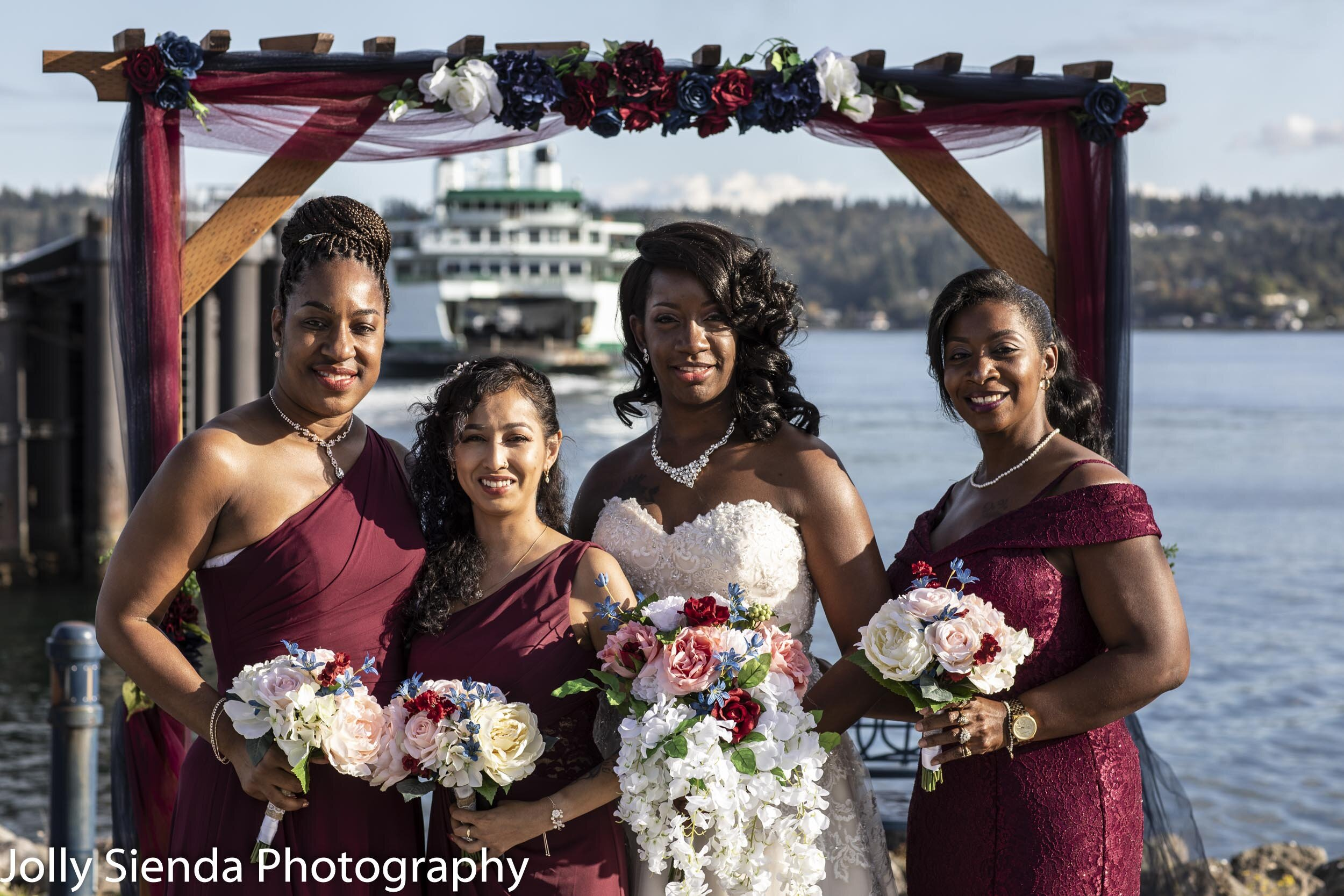 Marina with her bridesmaids and the ferry is in the background!