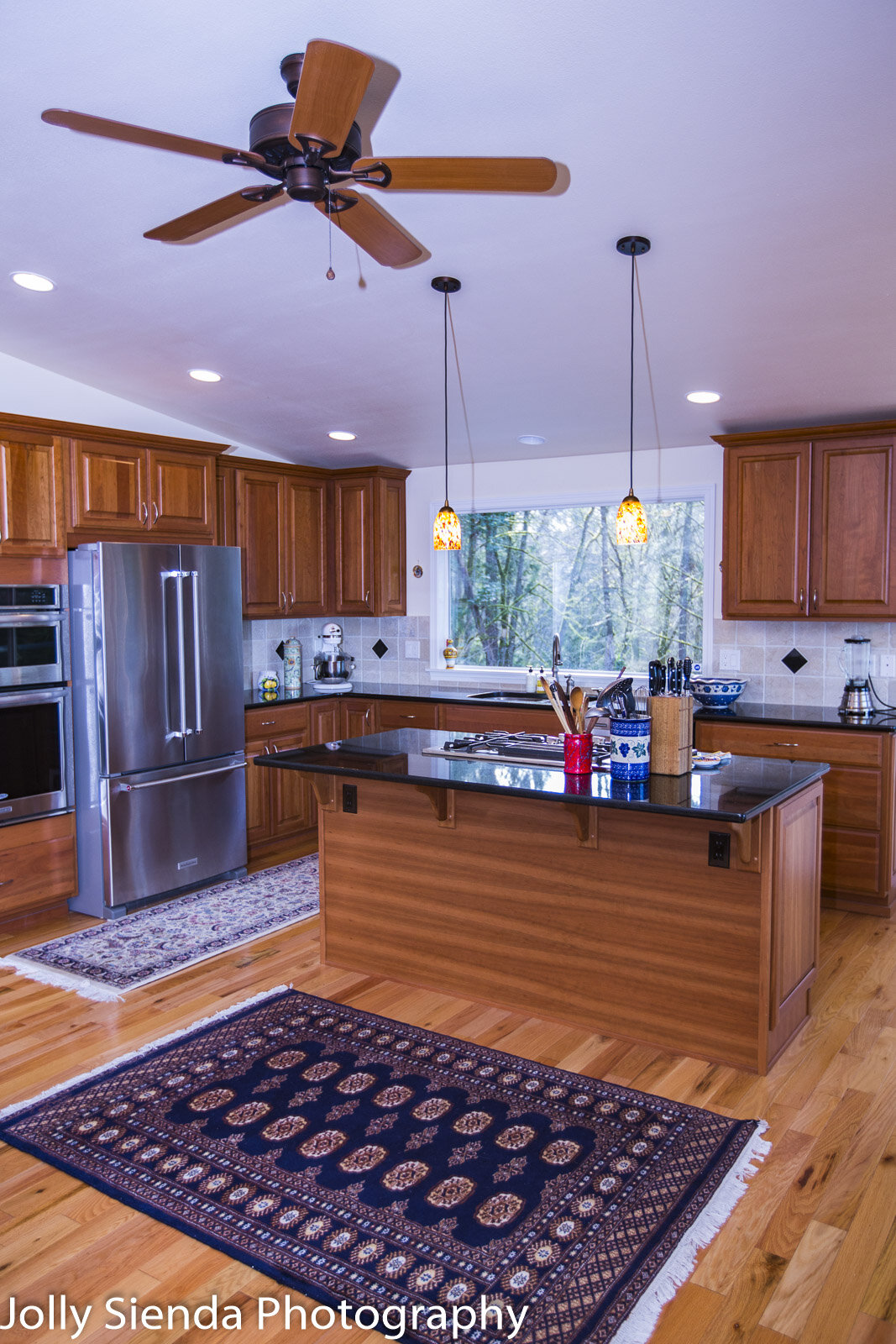 Residential real estate photography, gourmet kitchen