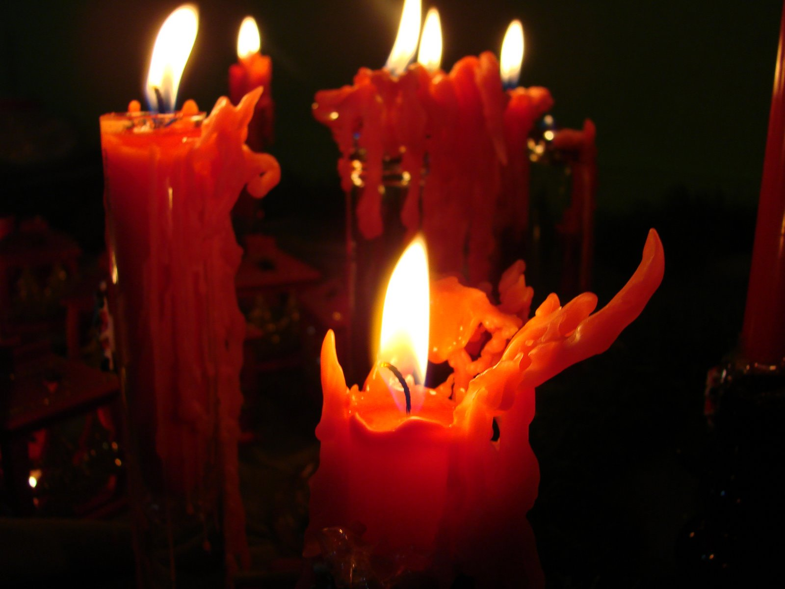red-candles-wallpapers_6392_16001.jpg