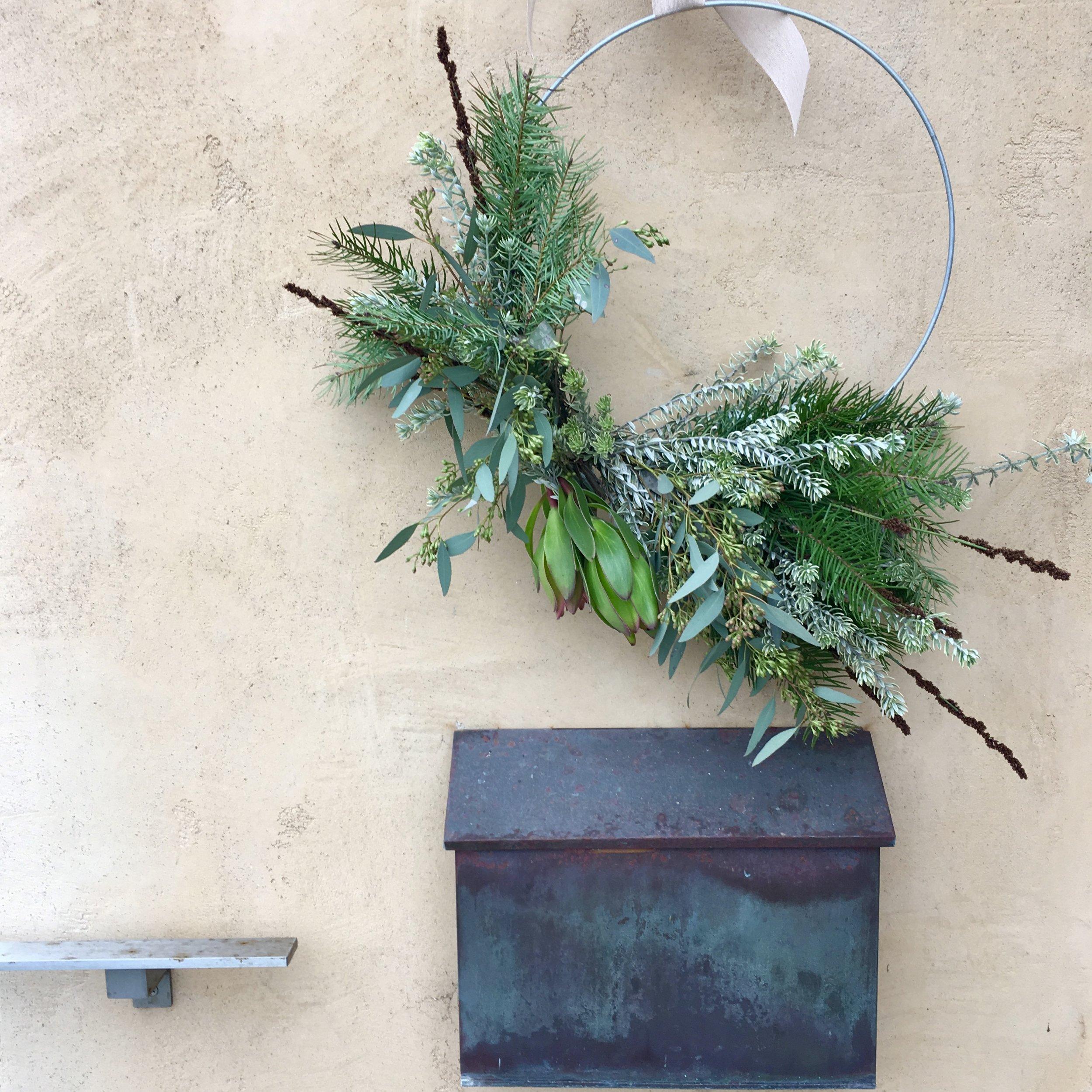 A modern Christmas wreath.