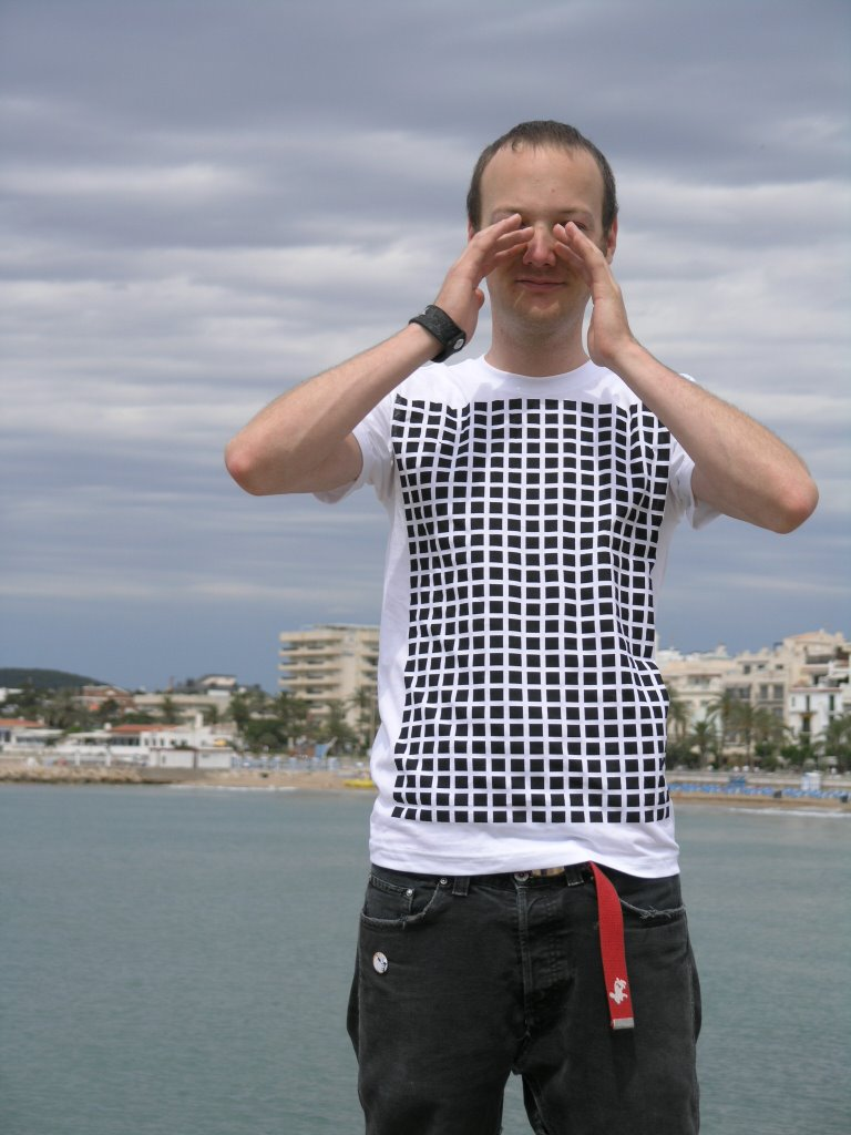 """The first typical """"ThokkThokk"""" t-shirt with the """"Squared""""design."""