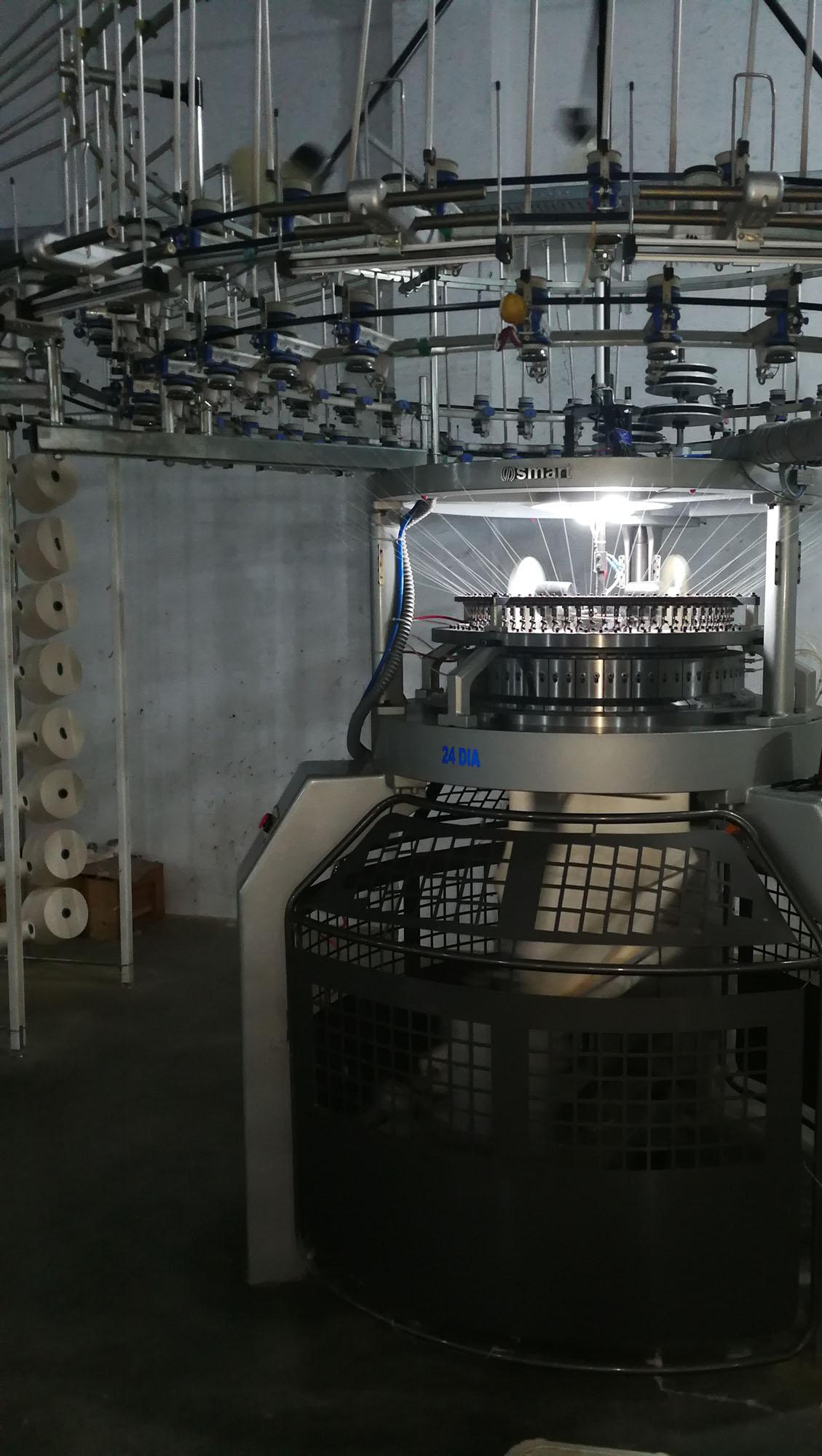 Vollautomatischer Rundstrick    Fully-automatic circular knitting machine