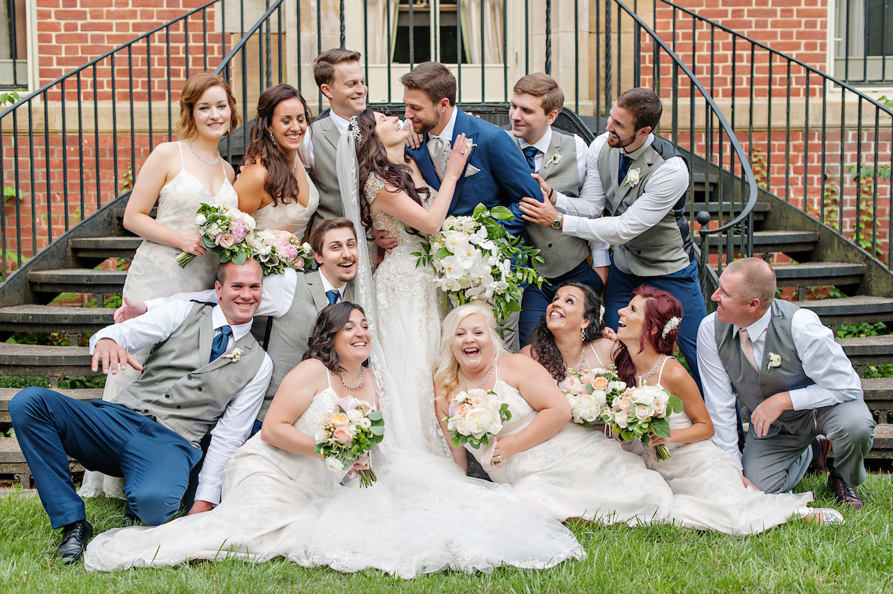 Peterloon wedding in Cincinnati. Florals by Yellow Canary. Photos by Kortnee Kate Photography