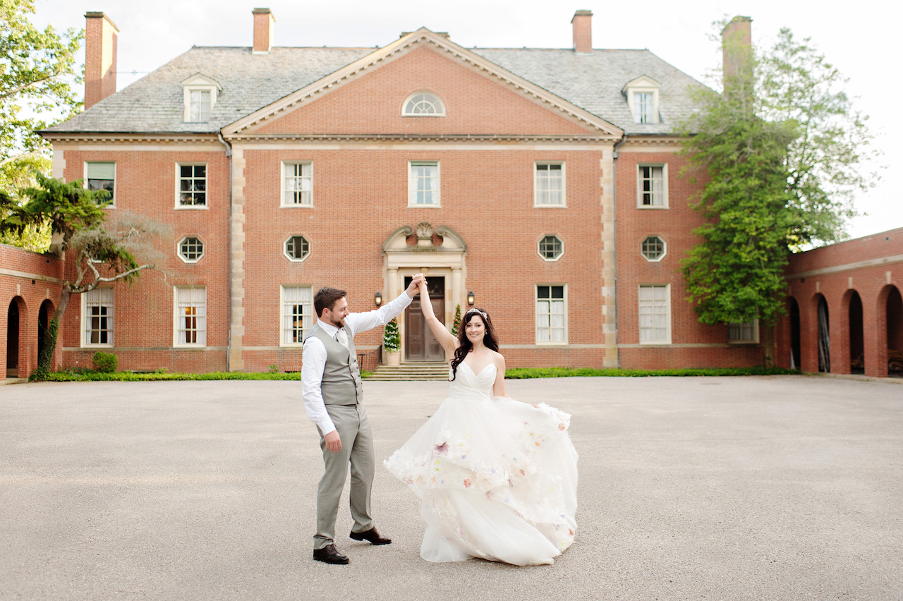 Peterloon Estate wedding with florals by Yellow Canary. Photo Kortnee Kate