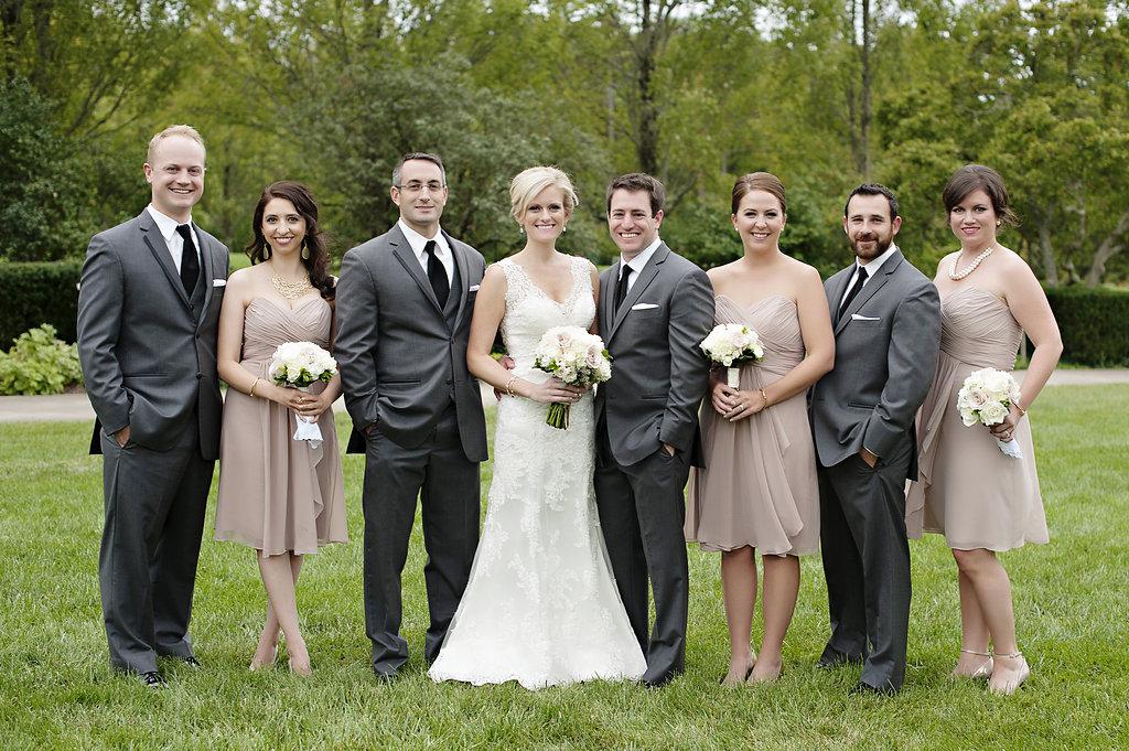Ault Park wedding in Cincinnati, OH with florals by Yellow Canary. Yellow Canary is a floral and event design studio located in northern Kentucky.