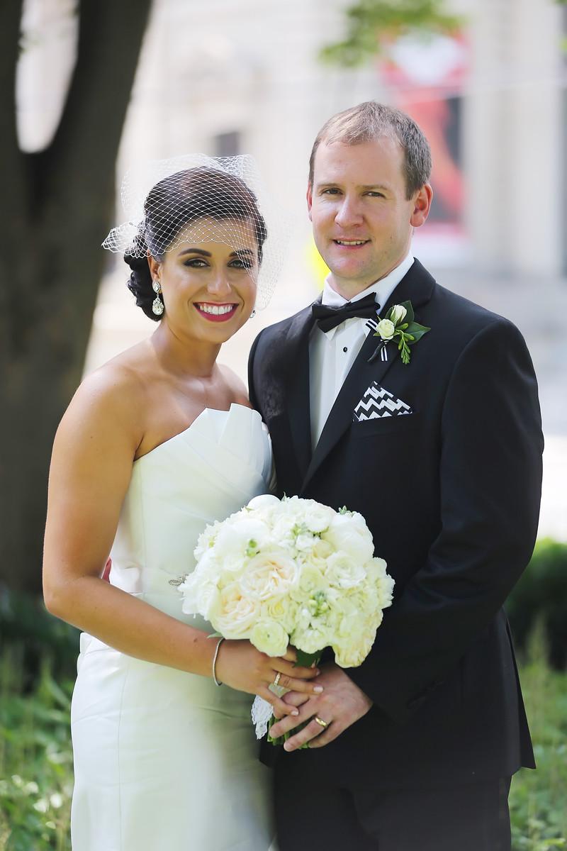 Summer wedding in Cincinnati with florals by Yellow Canary Floral Design. www.yellowcanaryonline.com