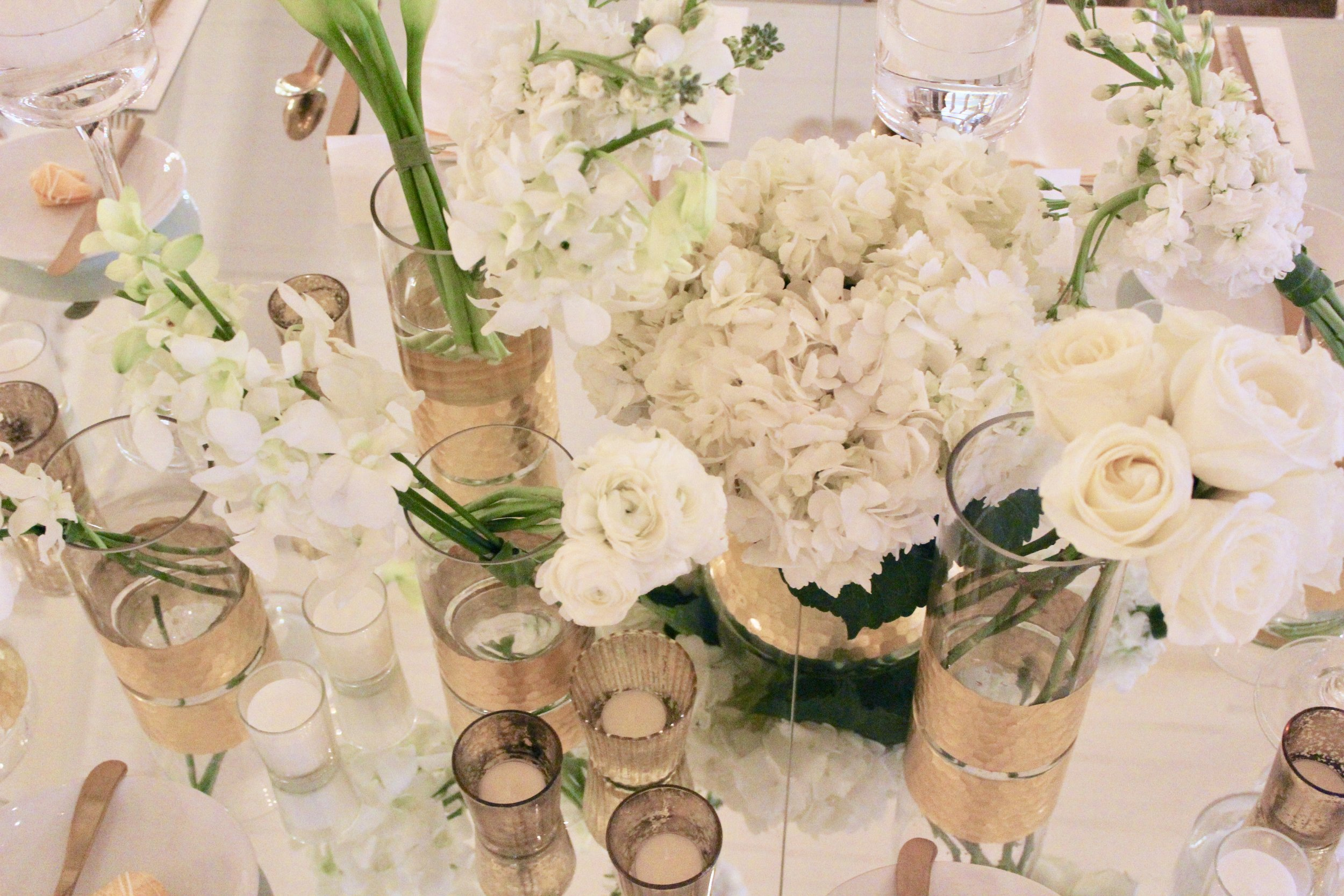 Hyde Park Country Club wedding with green and white florals by Yellow Canary.