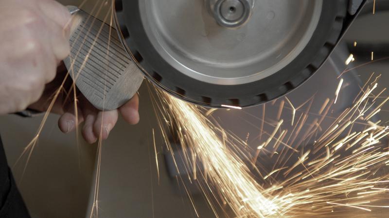 Wedge grinding2.jpg