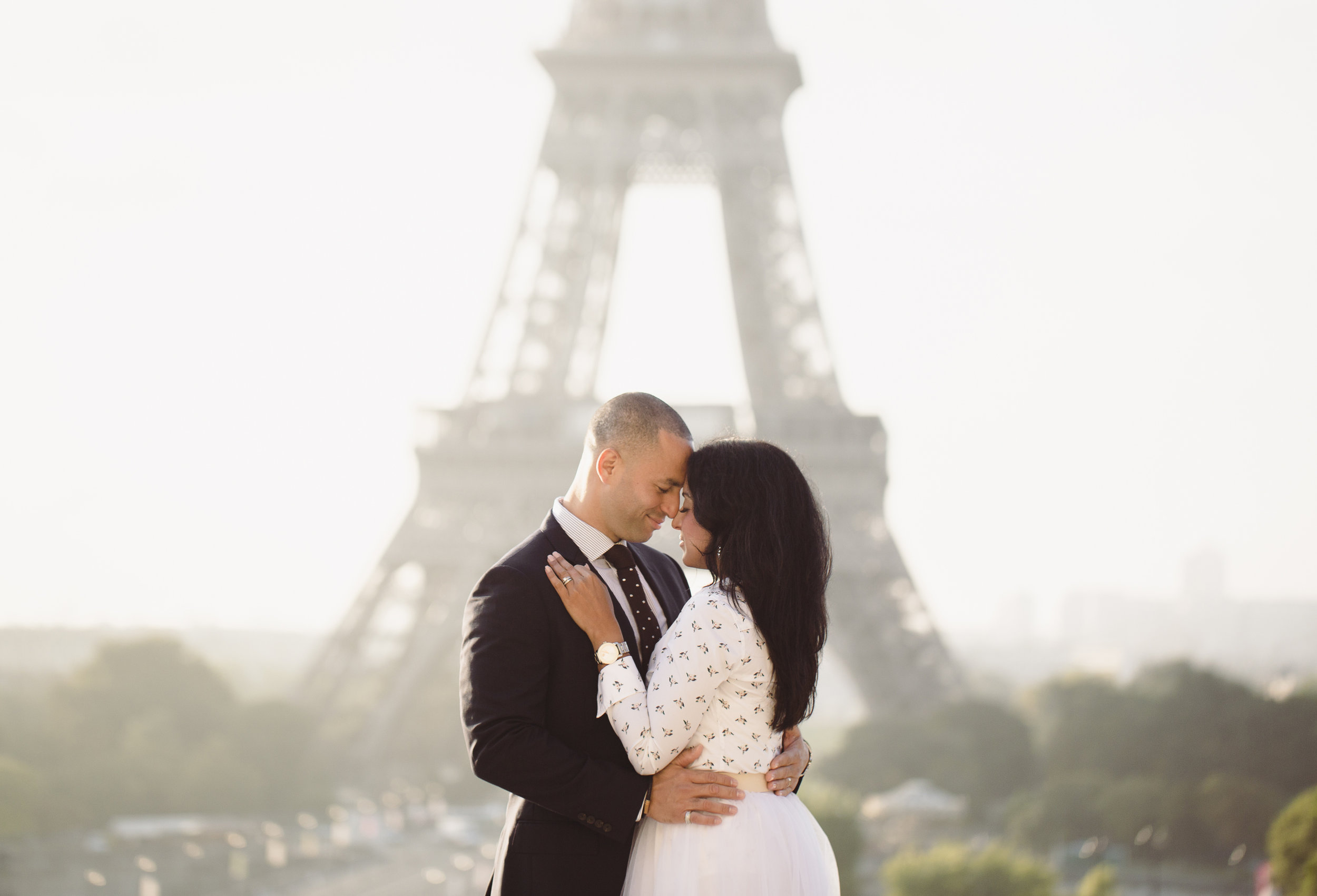 Engagement Photography Eiffel Tower_Professional Photographer Paris .jpg