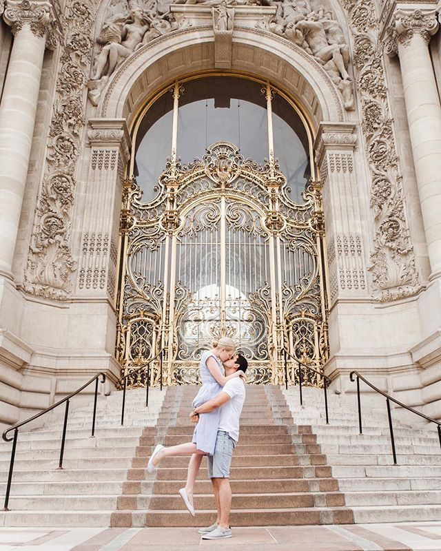 Throwback today to Malin and Trevor's gorgeous engagement photography session in Paris ✨❤️💫 • • • • • #professionalphotographerparis #parisportraitphotographer #parisengagement #engagementinparis #engagementphotographerparis #parisengagementphotographer