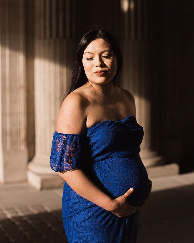 ✨ Beautiful Alejandra ✨ • • • • #parisphotographer #lelouvre #museedulouvre #parisjetaime #photographerparis #portraitphotographer #maternityphotographerparis