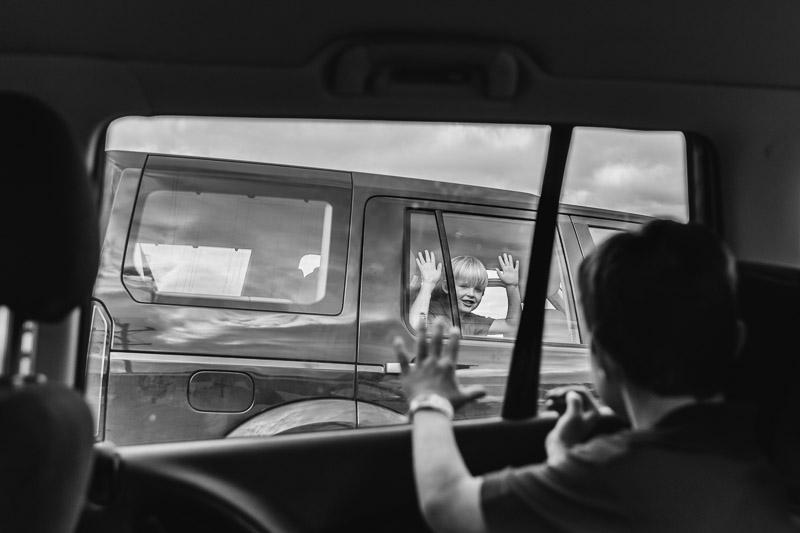 august dot to dot lauren mcadam photography  geelong newtown torquay family photographer friends waving goodbye after school