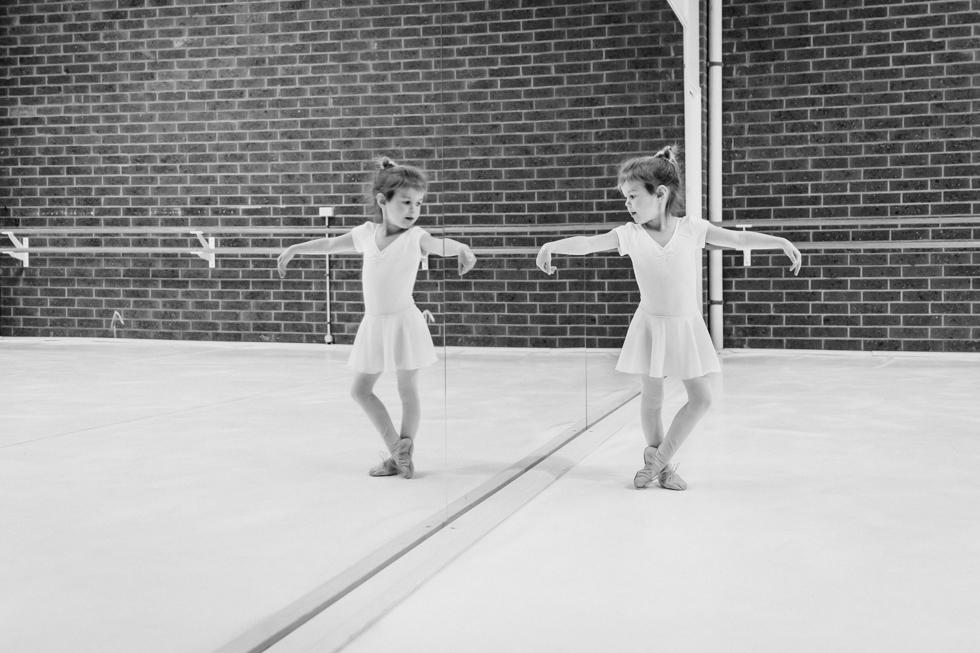Lauren McAdam Photography geelong belmont newtown torquay family photographer ballet dot to dot collective