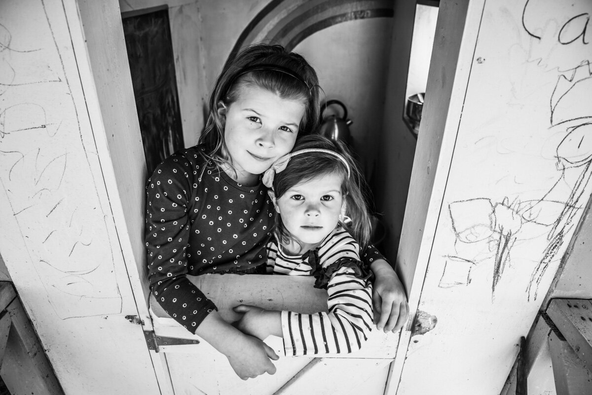 Black and white portrait of sisters in their cubby Lauren McAdam Photography Geelong torquay newtown armstrong creek moriac family photographer-4.jpg