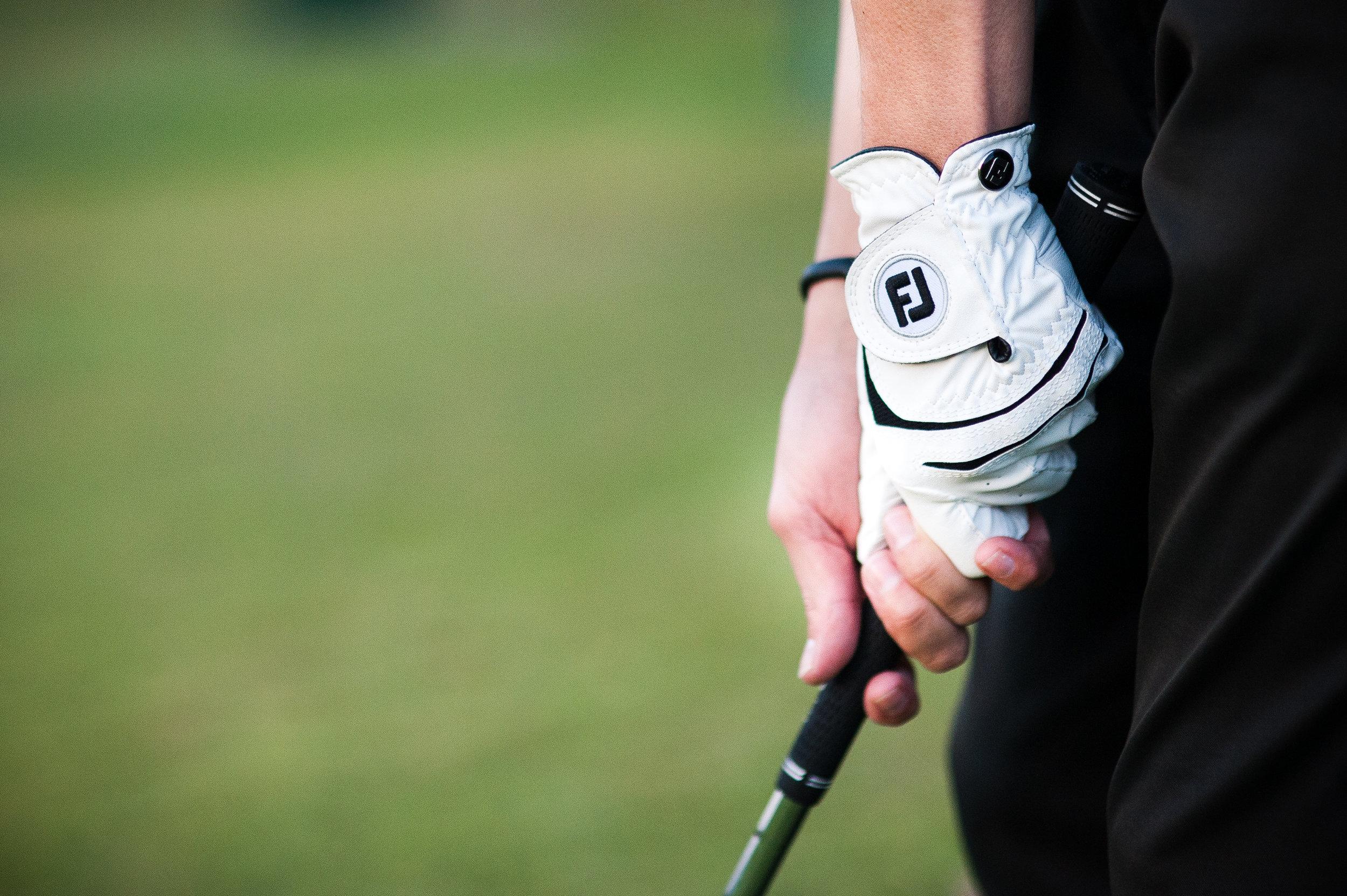 how to gripa golf club -