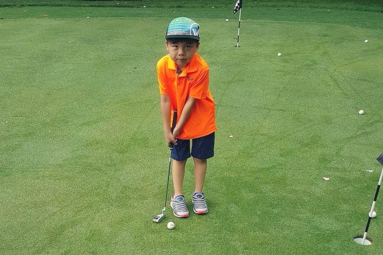 If you want to know the best beginner golf lessons to learn you've come to the right place. Learn the 6 best beginner golf lessons you must learn to play golf well.