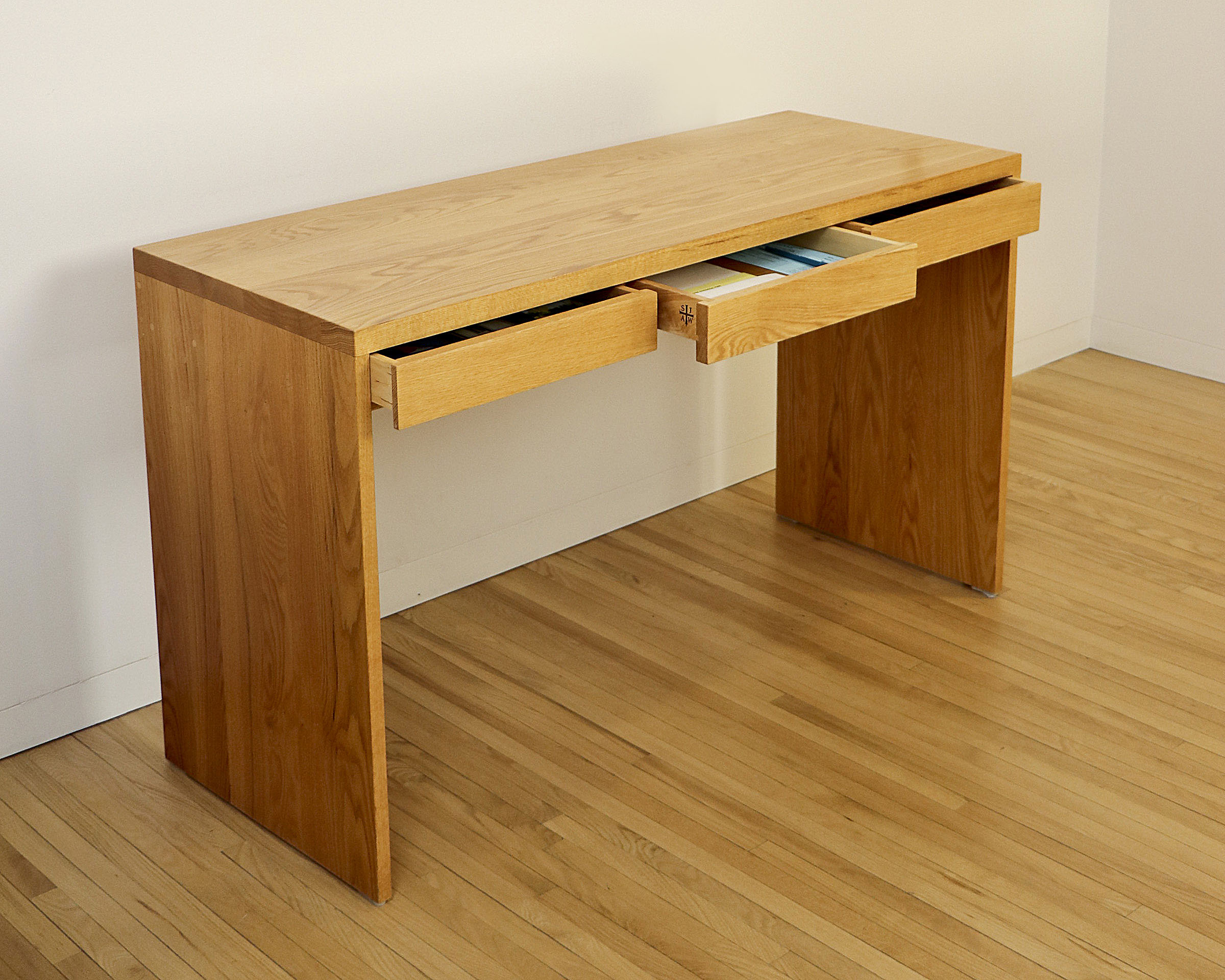 Office Desk3.jpg