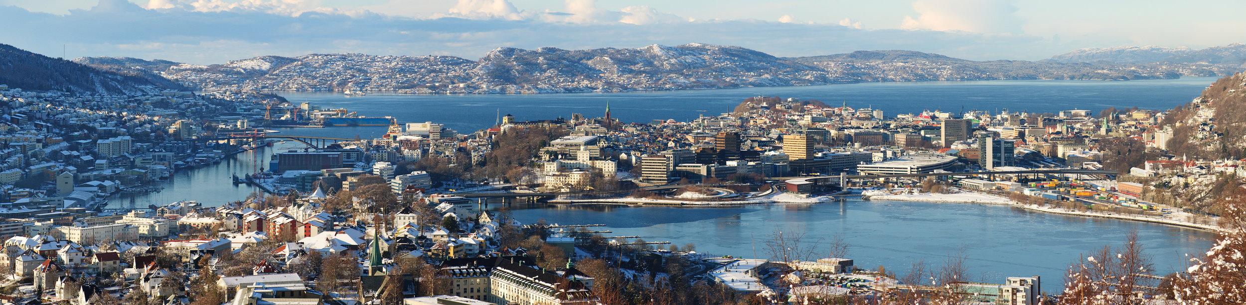 Bergen_city_centre_and_surroundings_Panorama_edited.jpg