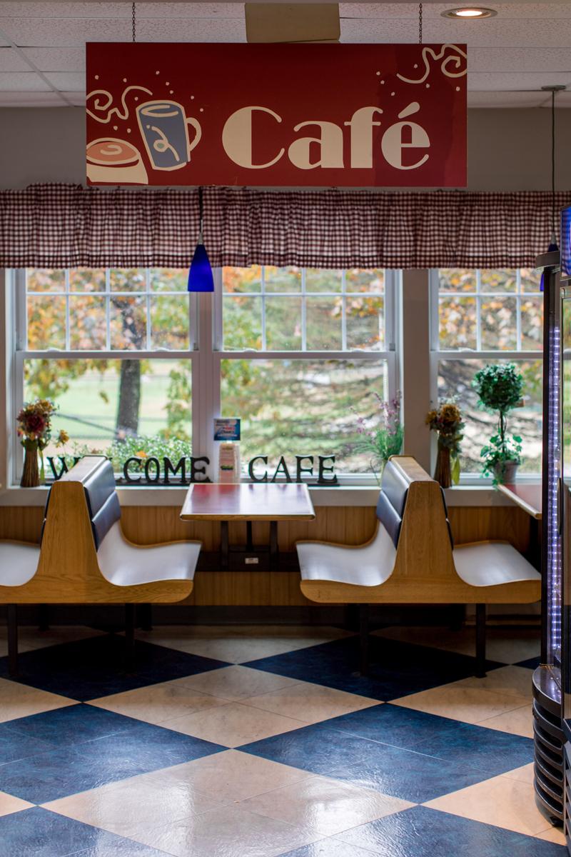 Dinos_Café