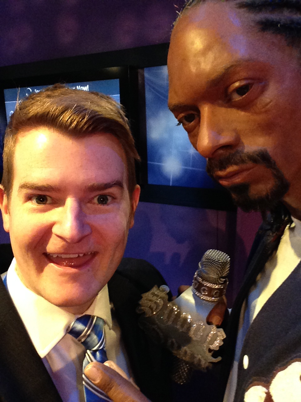 "Me and my pal, Canadian icon Snoop Dogg, hangin' on the west side (of the Greater Toronto Area [Halton]) discussing ""Senate refizzle."""