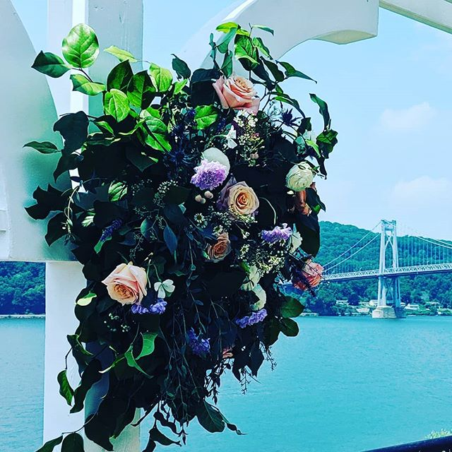 Hello gorgeous!!! This beautiful arch overlooking the beautiful Hudson River, is stunning. The bride chose unique colors and not your every day flowers for her wedding day. It's simple, it's elegant and it's unique. . . . . #hudsonvalleyflorist #hudsonvalleyweddding #hudsonvalleyphotography #hudsonvalleywedddings  #hudsonvalleybride #hudsonvalleyweddingplanner  #hudsonvalleyeventplanner #hudsonvalleyweddingcoordinator  #newyorkbrides  #newyorkwedding  #ctweddings  #ctbrides  #ctweddingplanner #junebug #stylemepretty #marthastewartweddings