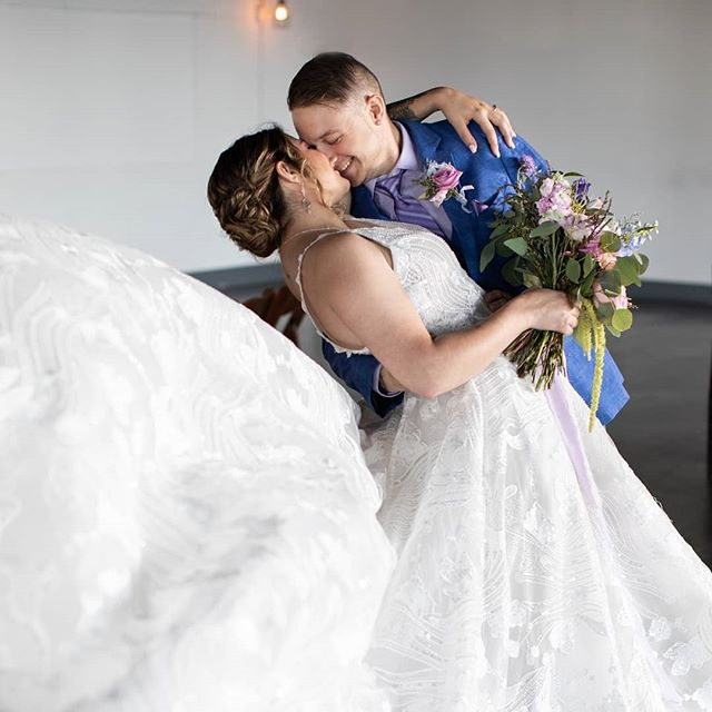 Can I have this dance? How about dancing into forever with the love of your life? What's your wedding song? ⠀⠀⠀⠀⠀⠀⠀⠀⠀ #wedding #hudsonvalleybride #newyorkbride #hudsonvalleyweddingplanner #hudsonvalleyweddingcoordinator #yestothedress #ctbride #westchesterbride #westchesterweddingvenue #westchesterwedding #weddingflorist #weddingdress #picktheperfecttux #knotyourmotherswedding