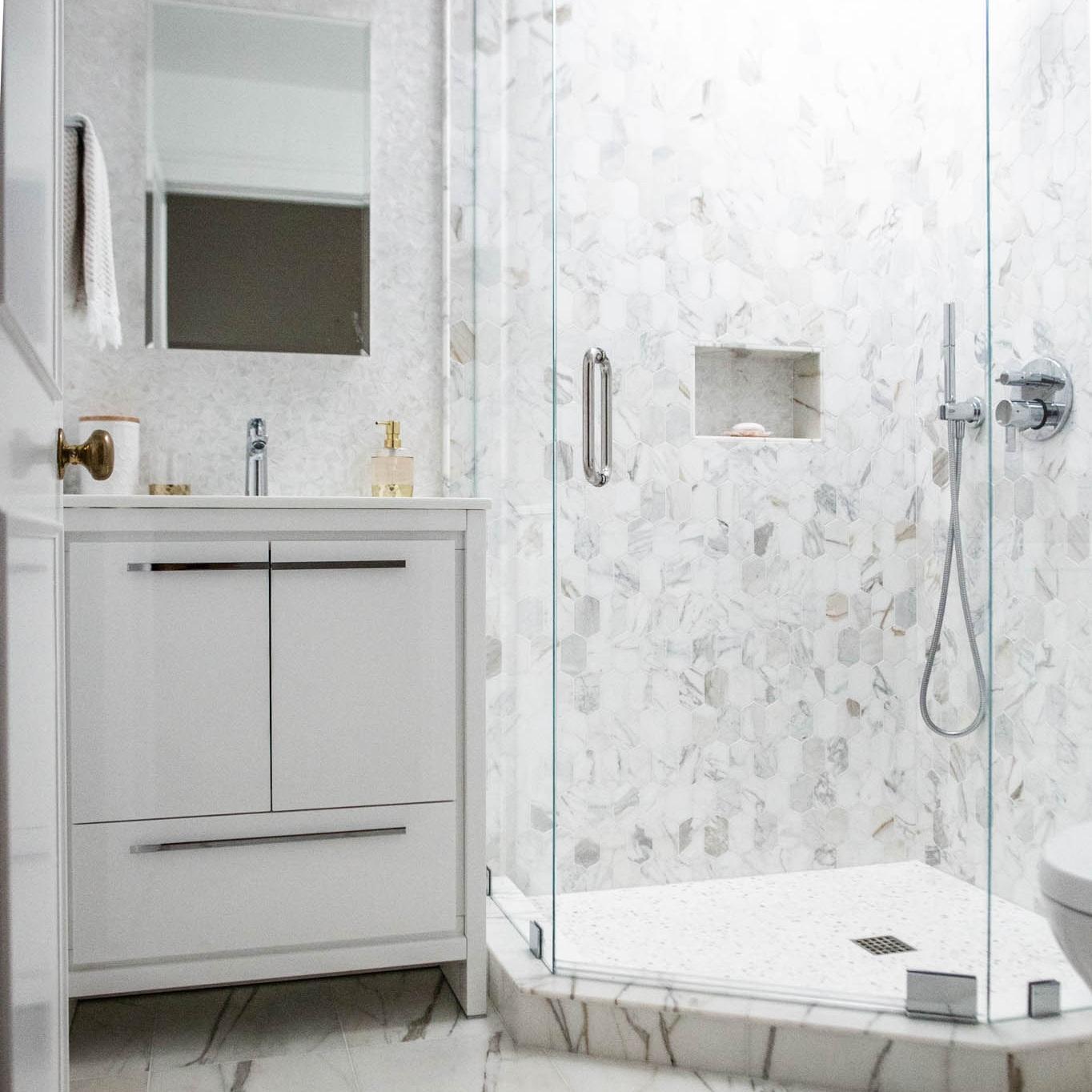 Jodi G Designs Santa Barbra Interior Designer | Spring Interior Design Trends | Large Scale Marble