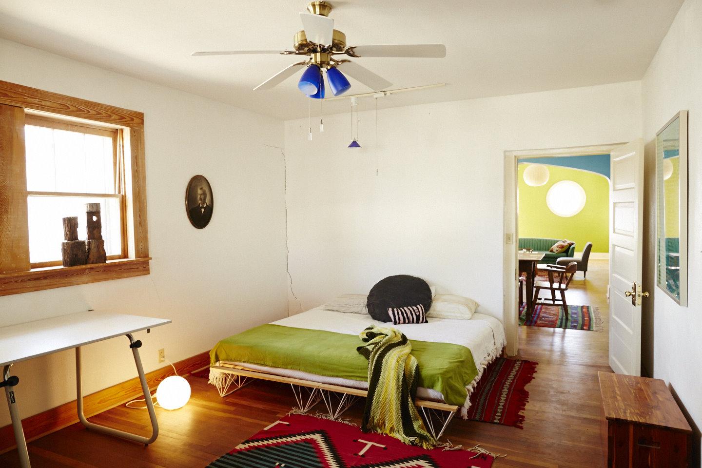 guest bed2.jpg