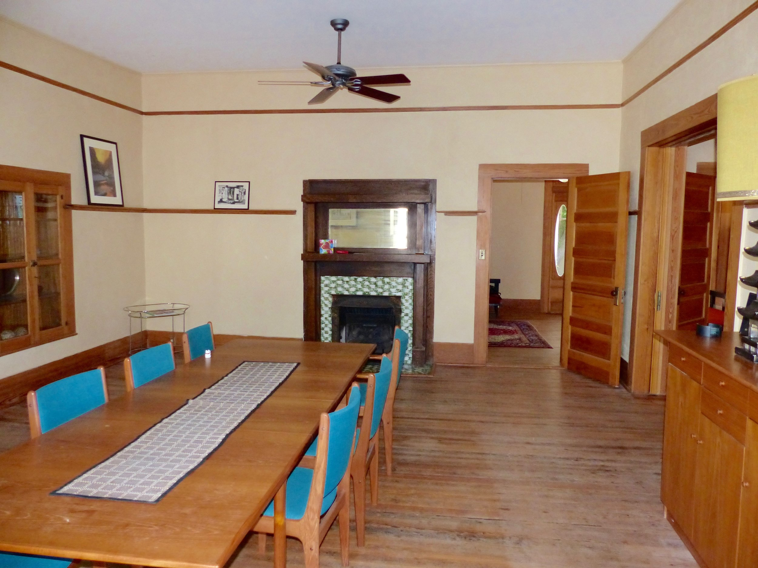 dining:view to entryway.jpg