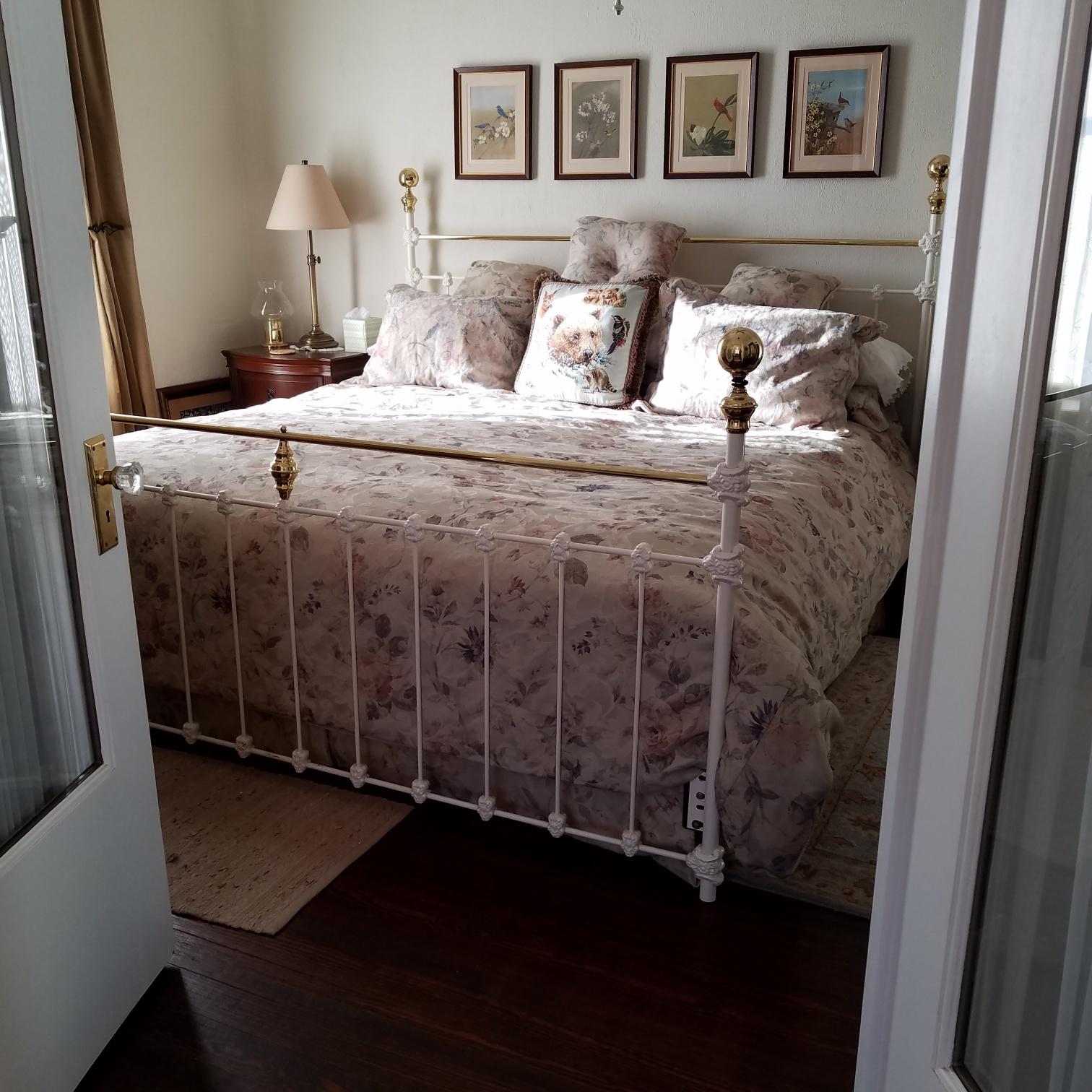 bedroom2a.jpg.jpg