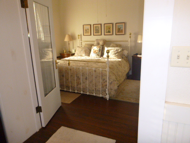 bedroom 2_c.jpg.JPG