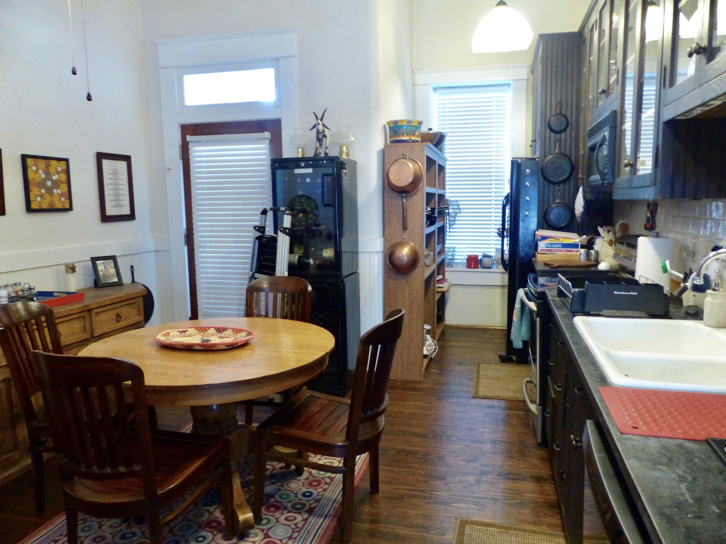 kitchentabledoor.jpg