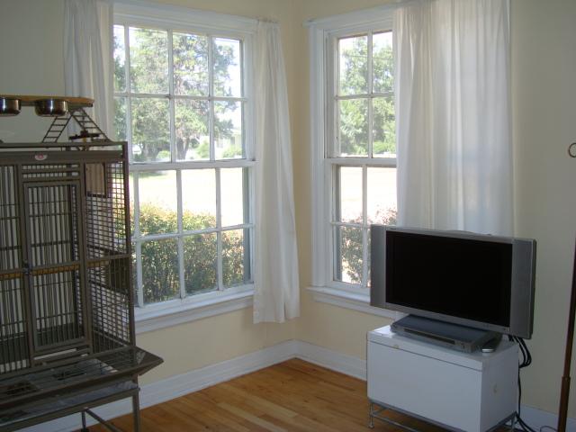 vito's room - windows facing north and east.JPG