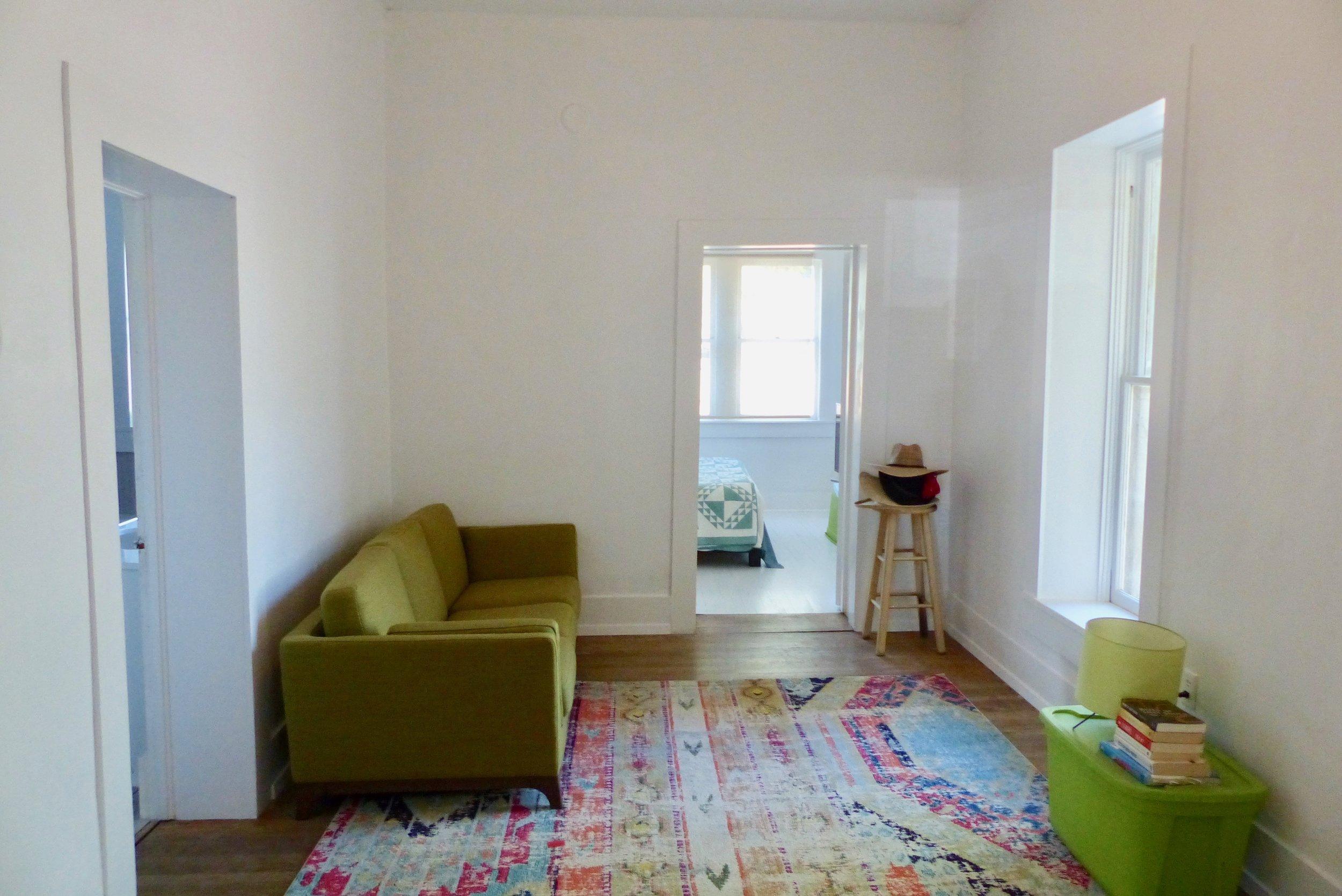 Sittingroom:bedroom.jpg
