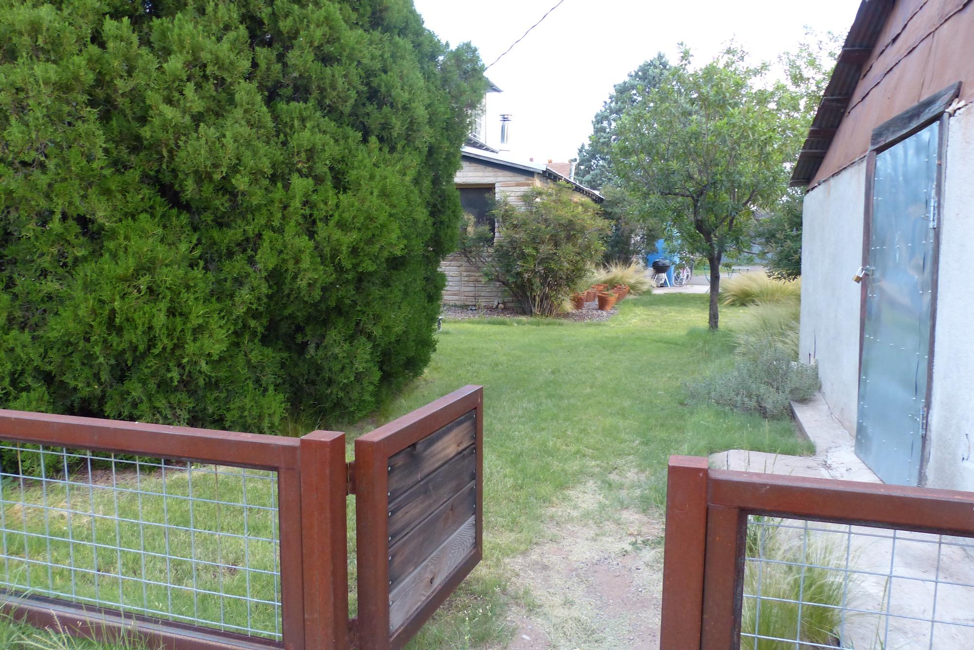 Gate to yard.jpg